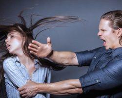 Муж бьет жену — значит любит? О насилии супруга в семье