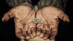 Что притягивает бедность в дом? - Вот эти 10 вещей!