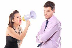 Почему мужчина игнорирует свою женщину: причины и что делать с этим