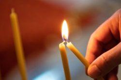 Приметы про церковные свечи: почему свеча падает, трещит, коптит, плачет