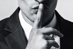 Мужская манипуляция молчанием: как реагировать на неё. Почему он это делает?