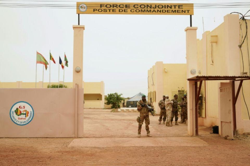 Le président se rend sur les lieux de l'attentat — Mali