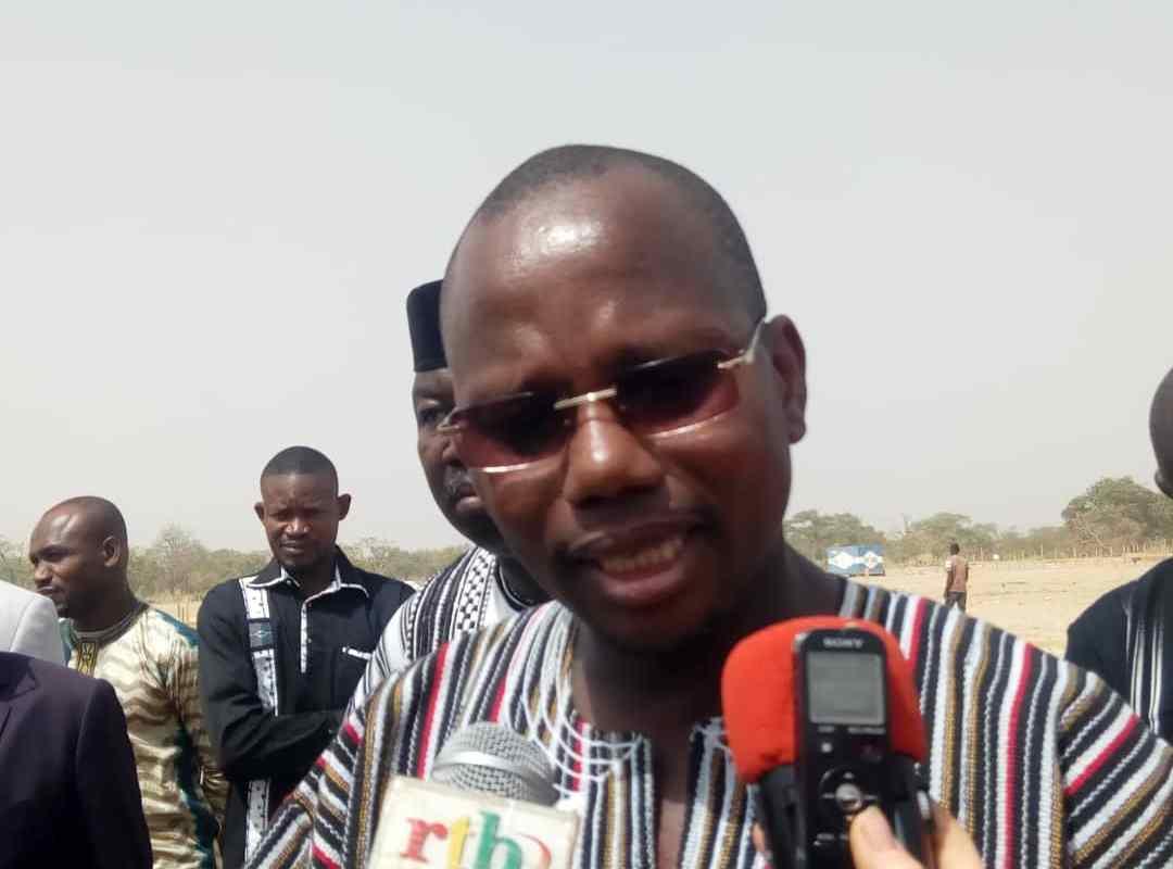 Assassinat de 5 enseignants : le ministre l'éducation présente ses condoléances aux familles des victimes