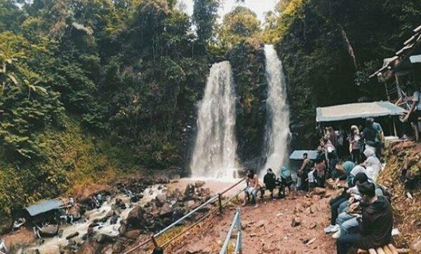 tempat wisata Curug Cinulang Cicalengka di bandung