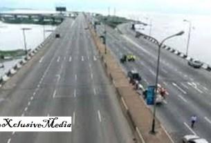 Lagos state Police begins show of force as FG shut down Eko bridge, gives reason