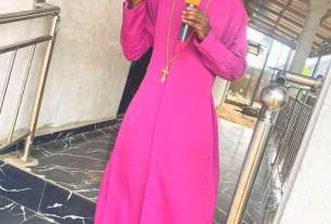 Popular pastor curses yahoo boy for refusing to pay his tithe