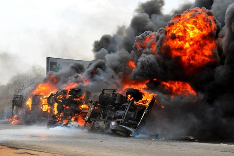 Tragedy! Tanker explodes on Lagos-Ibadan highway [VIDEO]