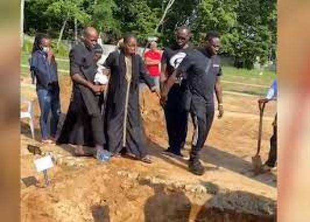 VIDEO: Tears As Sound Sultan Is Buried In The US - Viral Nigeria