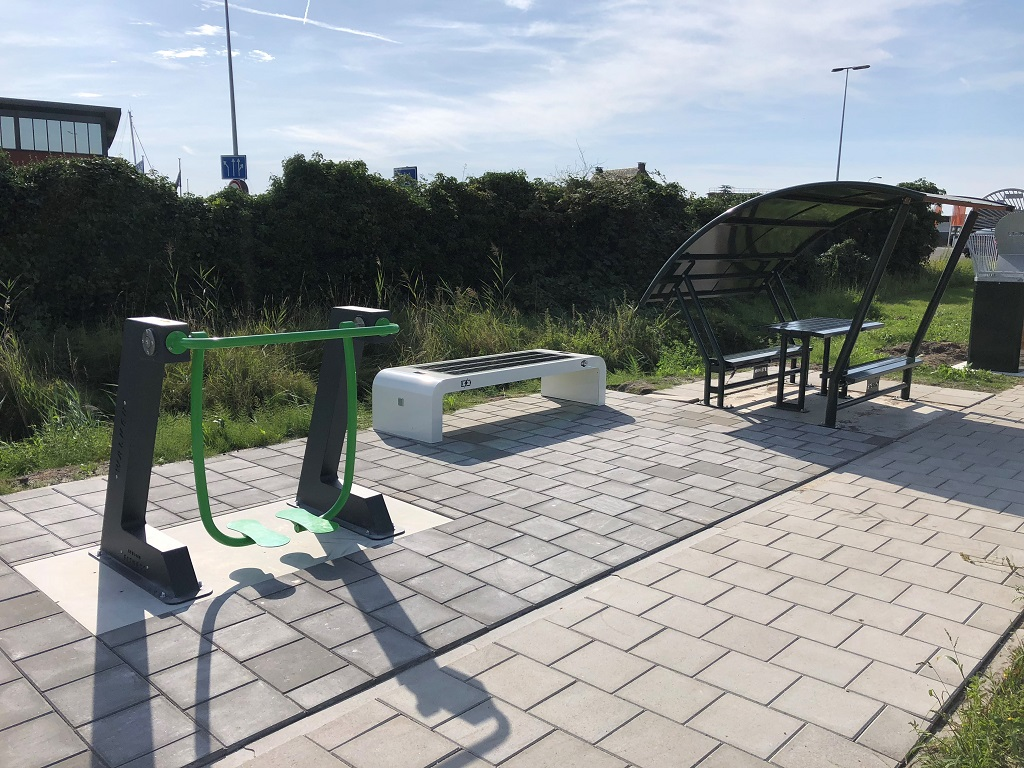 InfraMarks solar bench