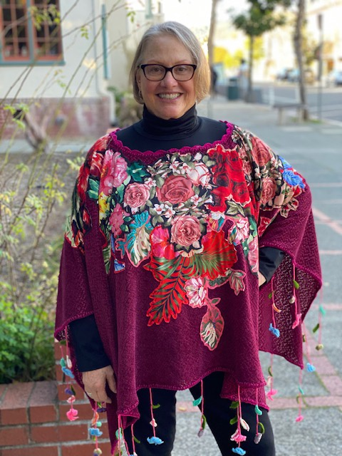 KNITTED APPLIQUE PONCHO- WINE