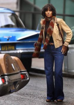 GLASGOW, SCOTLAND - SEPTEMBER 16: Halle Berry on set of her new film Cloud Atlas being filmed in Glasgow on September 16, 2011 in Glasgow, Scotland. The city council has closed off a series of streets as Glasgow prepares to double for San Francisco for a scene which will include Hale Berry and Hugo Weaving. (Photo by Jeff J Mitchell/Getty Images)