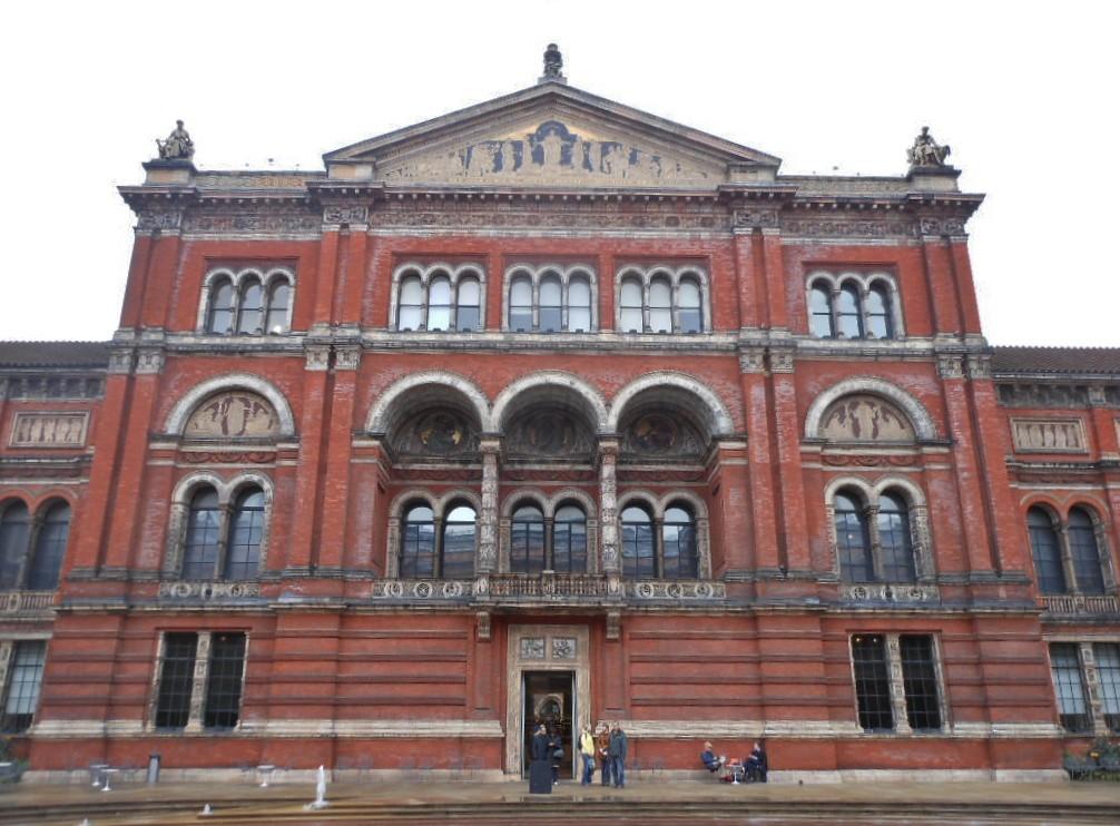 victoria and albert museum facciata