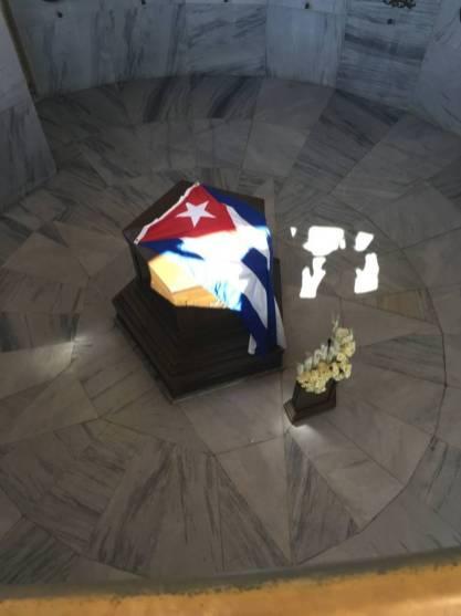Bara Jose Marti, Cimitero di Santa Ifigenia
