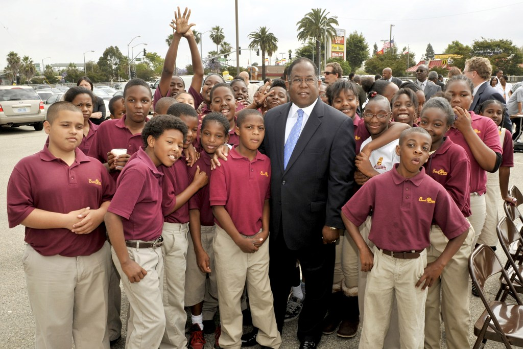Barack Obama Charter Students with Mark Ridley Thomas - LA County Supervisor