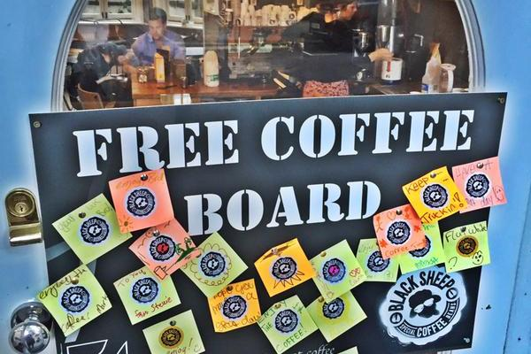 Free Coffee Board Black Sheep Coffee kahve askıda Londra London