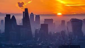 Londra London gün batımı günbatımı fotoğraf güneş City finans merkezi gökdelen ofis James Burns