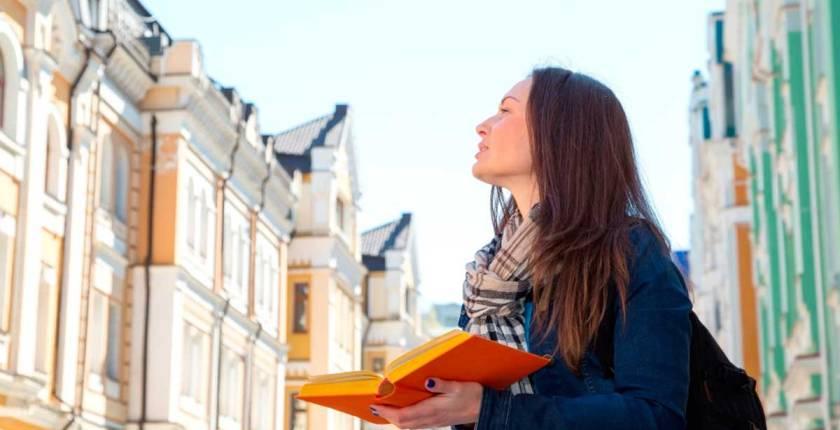 Los beneficios de aprender un idioma antes de viajar