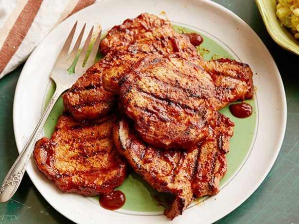 PA1011_Grilled_Pork_Chops.jpg.rend.sni18col