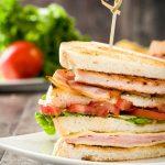 Como é um Club Sandwich?