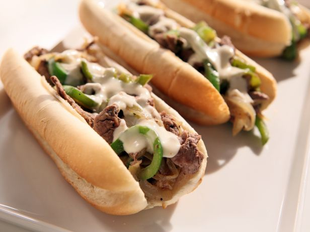 SM0507_philly-cheesesteaks_s4x3.jpg.rend.sni18col