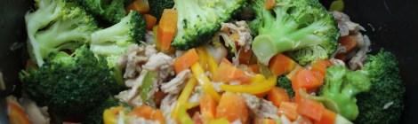 Macarrão oriental com legumes
