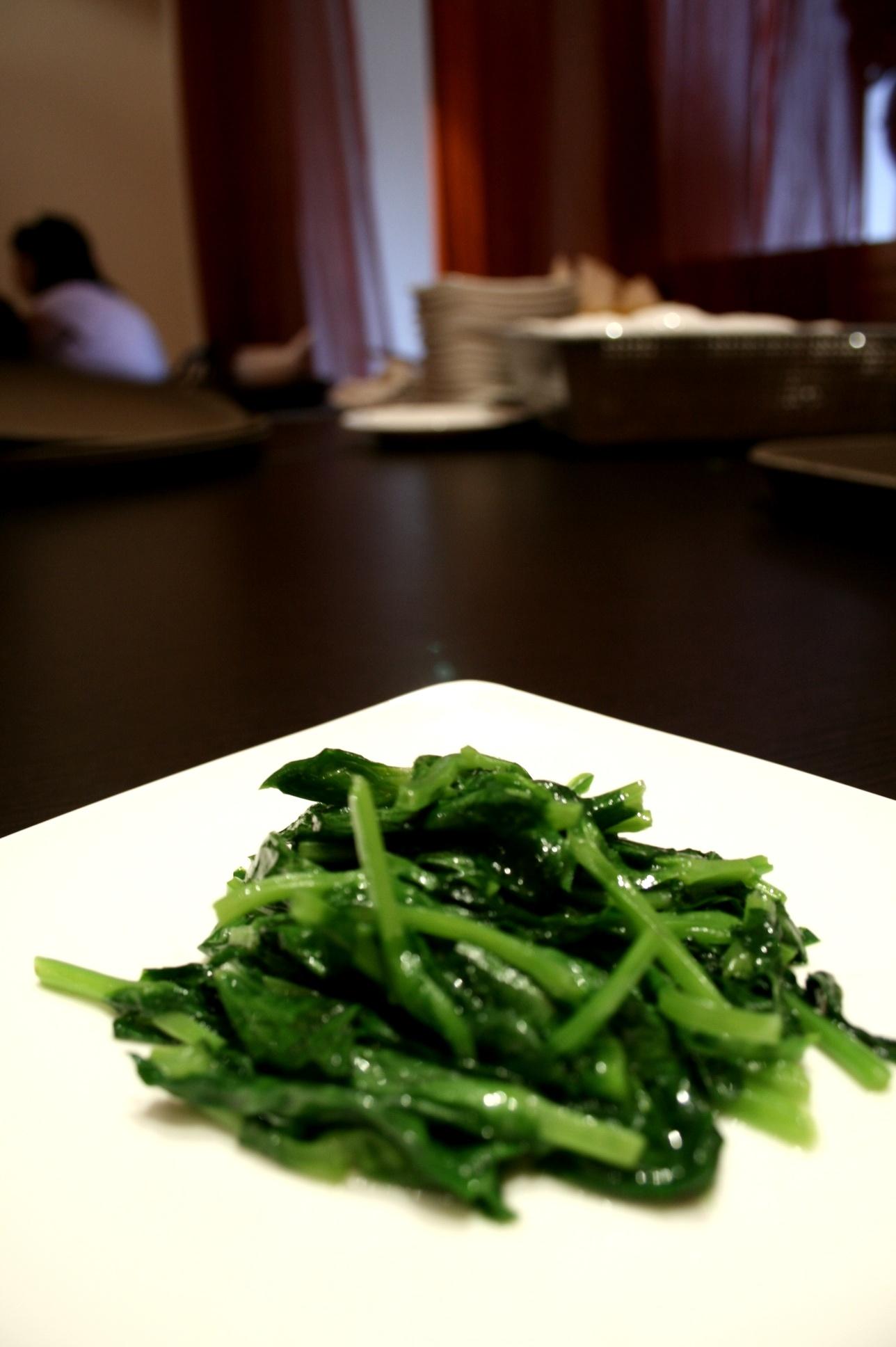 Stir-fried Taiwan Pea-shoots