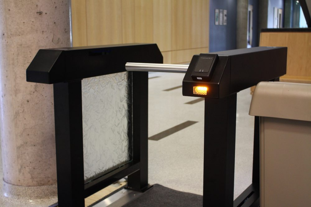 drop-arm-optical-turnstile