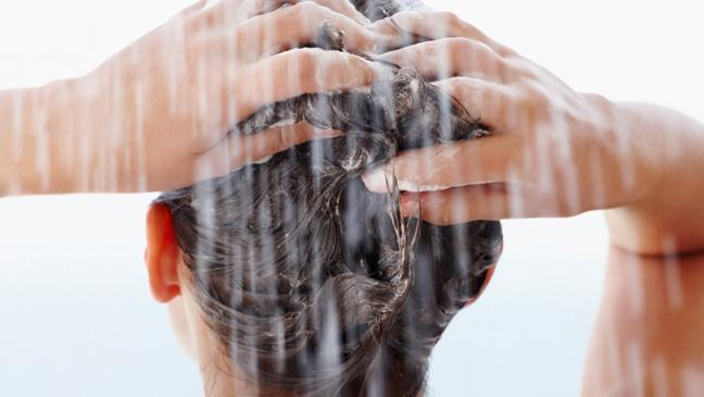 why-youve-been-washing-your-hair-the-wrong-way-all-these-years-136397090262703901-150325160745