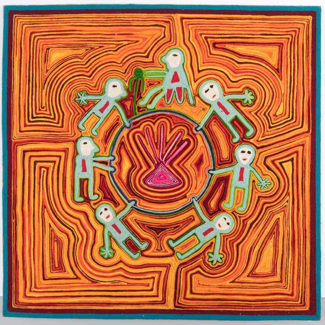 Ga mee op een spirituele reis. Bewonder de bijzondere volkenkundige collecties met magische buidels vol geneeskrachtige stoffen, betekenisvolle sieraden en sjamanenmantels.