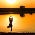 Yoga oefening bij pijn en ongemak in het lichaam
