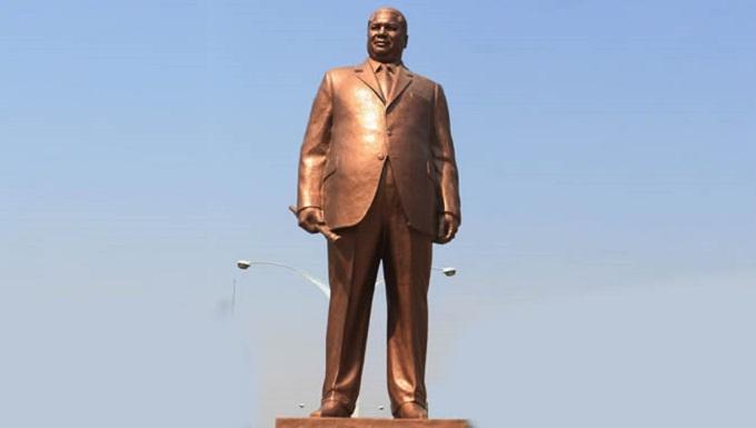 Bulawayo statue
