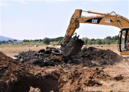 materiale estratto a seguito dello scavo diretto effettuato dopo la prospezione geofisica e l'analisi dei dati . Foto di V. Sapia © INGV