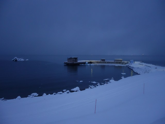 NyÅlesund harbour, foto di Ingrid Hunstad