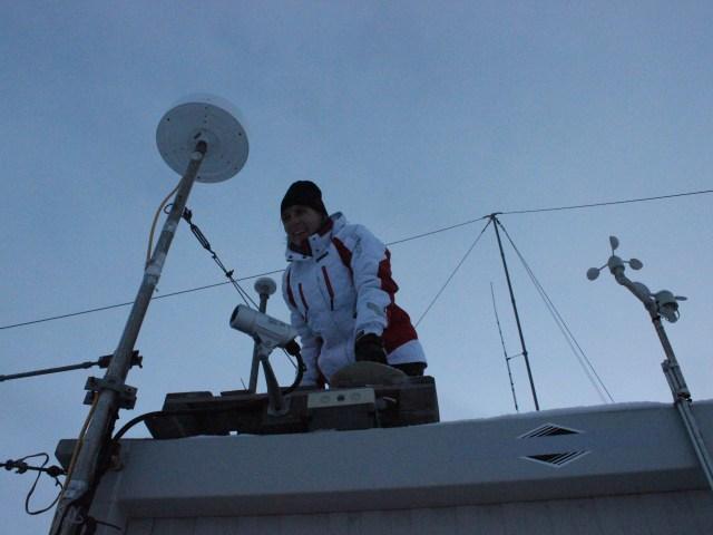 montaggio antenna GPS, foto di Vincenzo Romano