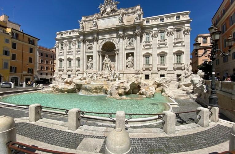 La Fontana di Trevi e la pietra di Roma