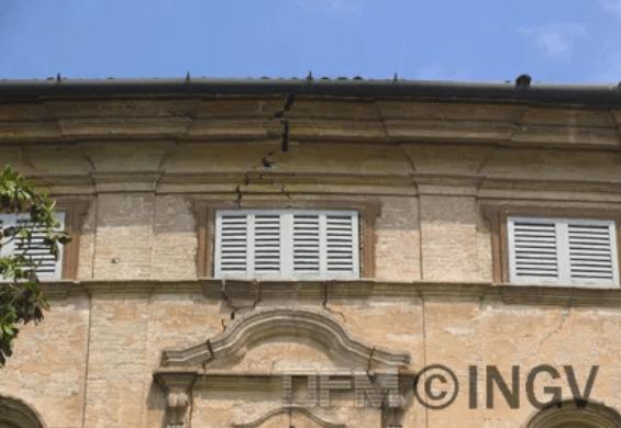 Terremoto Pianura Padana Emiliana: rapporto di sintesi degli effetti del terremoto del 20 maggio 2012 sulle località rilevate dalle squadre di QUEST