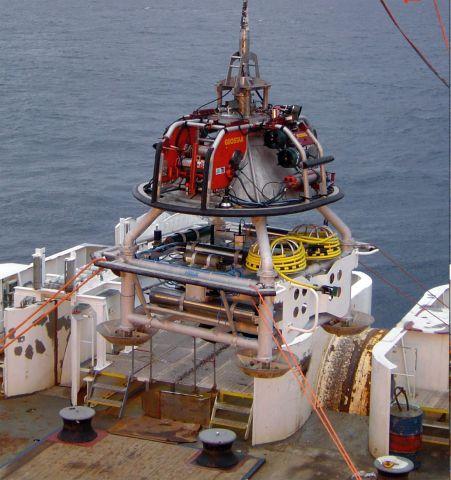 Anche una stazione sottomarina contribuisce al monitoraggio sismico