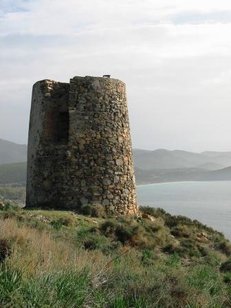 Torre spagnola di Cala Regina (una delle danneggiate) http://www.nuraghediana.it/nuovofile57.html