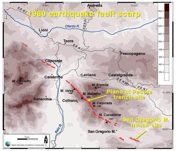 In rosso la traccia della scarpata di faglia prodotta dal terremoto dell'Irpinia M6.9 del 1980