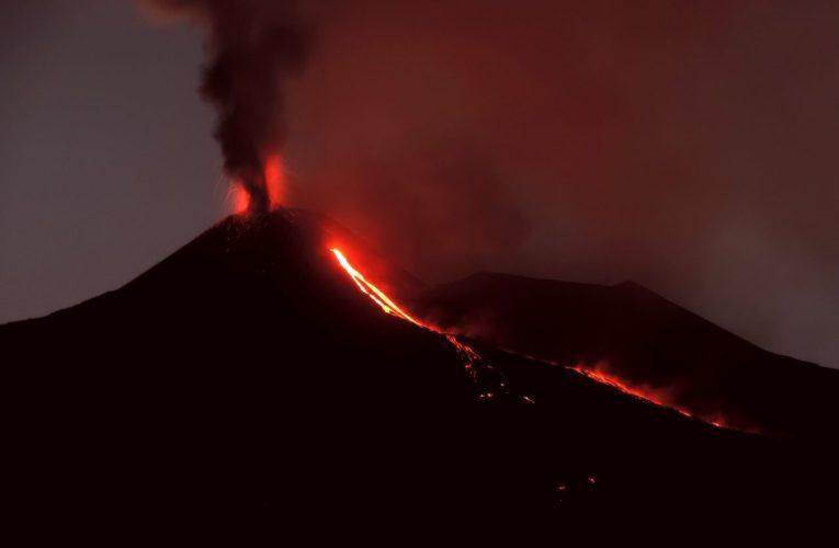 Un vulcano cresce davanti ai nostri occhi: il Nuovo Cratere di Sud-Est dell'Etna