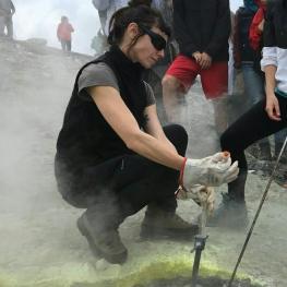 8 - INGV - campionamento di gas vulcanici sull'isola di Vulcano