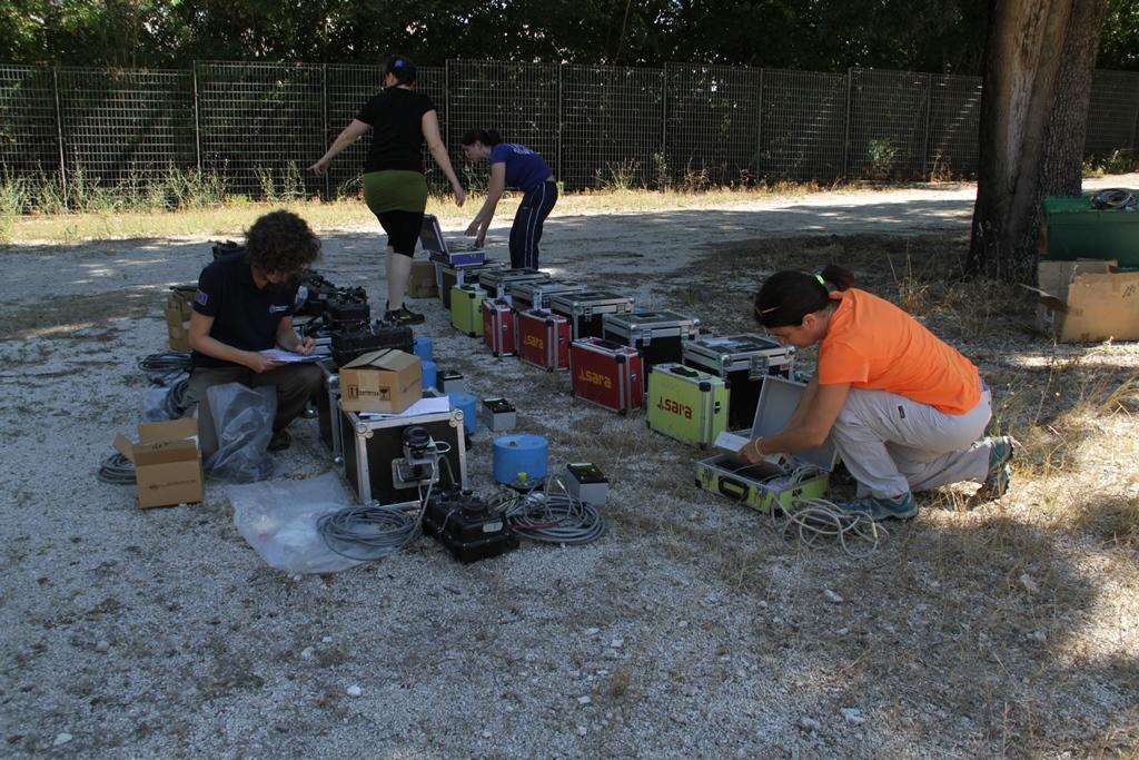 9 - Giovanna_Cultrera-Daniela_Famiani-Paola_Bordoni_Alessia_Mercuri-verifica funzionamento stazioni sismiche
