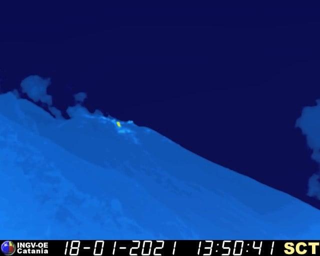 immagine telecamera termica trabocco-lavico-Stromboli-18-gennaio 2021 ore 15 circa