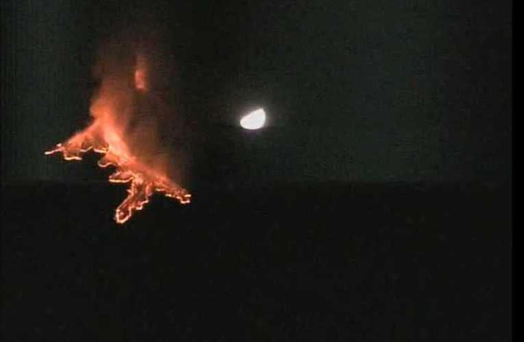Eruzione Etna 20 - 21 febbraio 2021. Immagine ripresa dalla telecamera di sorveglianza INGV OE