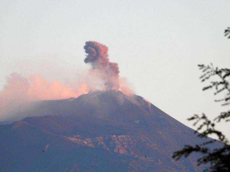 Etna 20210401 01