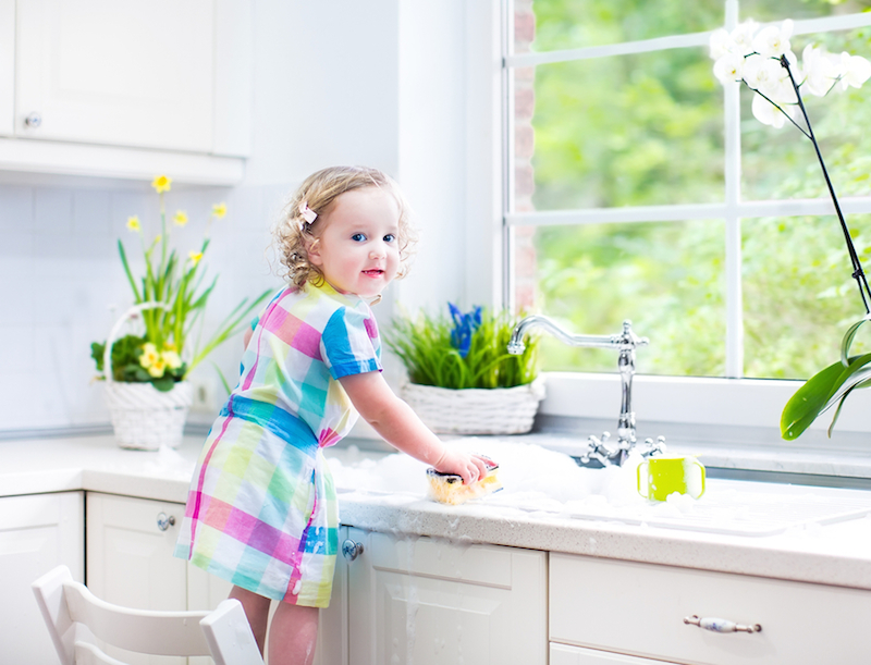 EWGs Expanded Guide To Healthy Cleaning Reveals That Eco