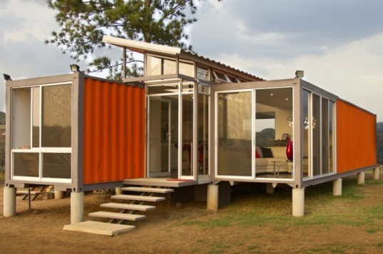 Containers of Hope, Benjamin Garcia Saxe, shipping containers, cargotecture, low cost housing, affordable housing, costa rica