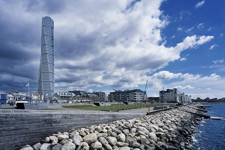 Turning Torso Calatravas Sustainable Skyscraper Is The Tallest Residential Tower In Sweden