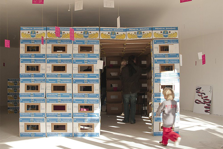https://i2.wp.com/inhabitat.com/wp-content/blogs.dir/1/files/2012/04/A1-BANA1N-Recycled-Cardboard-Boxes-Shelter-1.jpeg