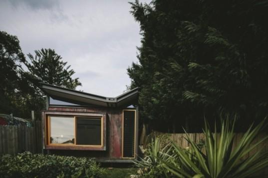 Takt S Tiny Copper Clad Beach Retreat House Captures A